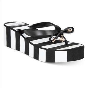 Kate Spade New York♠️ Wedge Black/White Flip Flops